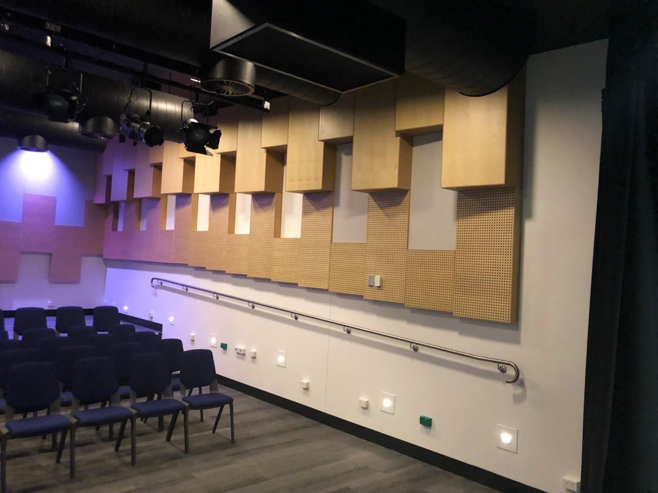 Acoustic-Treatment-wood-Panels-in-Studio-Sontext